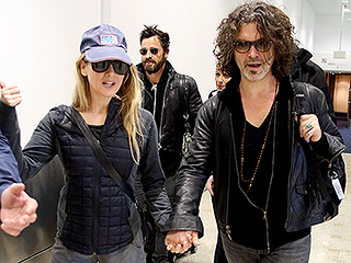 Fancy Meeting You Here! Renée Zellweger and Justin Theroux Land in Sydney Aboard the Same Flight