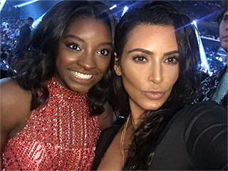 Selfie Gold! Simone Biles and Kim Kardashian West Pose Together at MTV VMAs – Alongside More of the Final Five