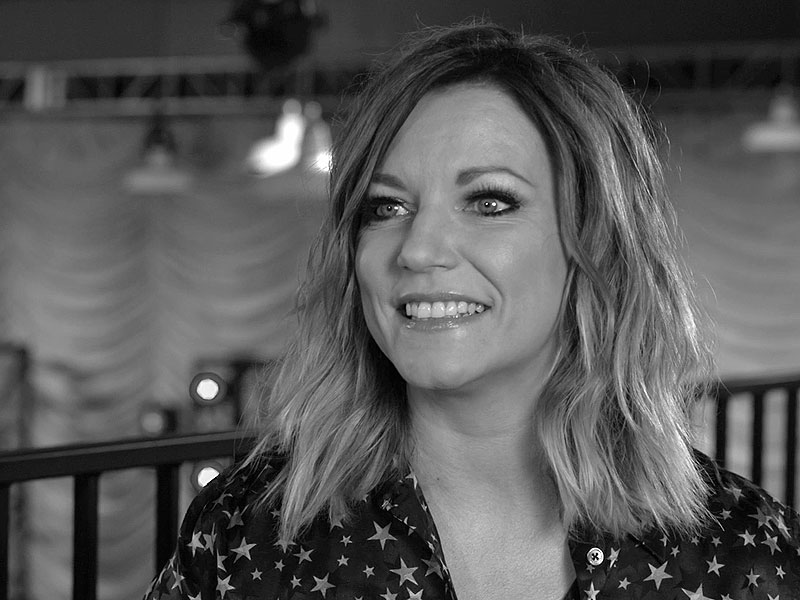 Martina McBride Wants You to Forget Your Problems at Her Show – Also, a Barista and a Bathtub on Her Tour Bus Would Be Nice| Country, Music News, Martina McBride