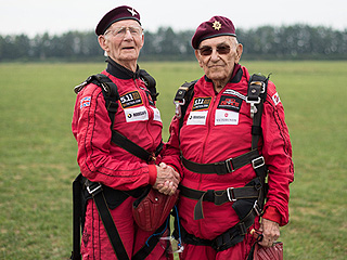 Two 90-Year-Old World War II Veterans Parachute Into Field Where One Was Shot Down 72 Years Ago