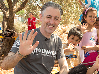 Alan Cumming Spends Weekend with Syrian Refugees in Lebanon: 'This Trip Has Been Life-Changing'