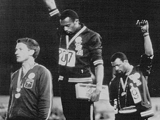 Iconic 1968 Olympic Activist Tommie Smith Defends Colin Kaepernick's National Anthem Protest: 'He's Bringing the Truth Out'
