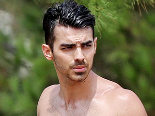 Joe Jonas Puts Six-Pack on Display During Outdoor Workout Session
