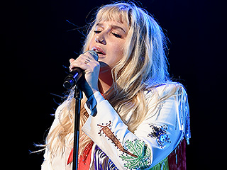 Kesha Thanks Fans for Standing by Her at Brooklyn Concert Amid Dr. Luke Lawsuit: 'I Could Not Do This Without You'