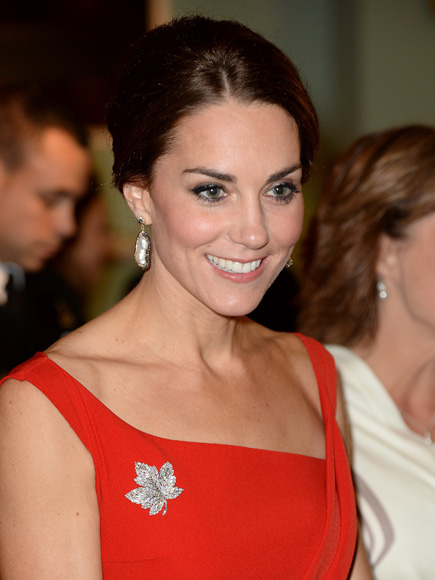 Kate Middleton S Lady In Red Moment In Canada Photos
