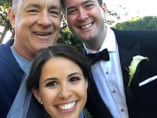 Surprise! Tom Hanks Crashes Couple's Wedding Photos in Central Park