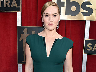 Kate Winslet Didn't Even Stop to Look in the Mirror Before Hitting the SAG Awards Carpet