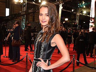 Alicia Vikander Dazzles at BAFTAs, Says She Was 'Blown Away' Working on The Danish Girl