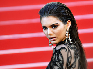 DeKoding KarJenner Style: Why Kendall Jenner Is All About the 'Mood' Caption on Instagram