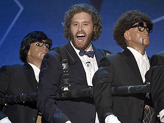 Mocking Ricky Gervais and Confusing Amy Schumer: The Funniest Moments from T.J. Miller at the Critics' Choice Awards