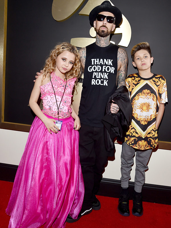 Grammys 2016 Travis Barker son daughter red carpet