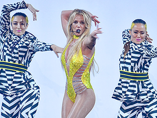 Britney Spears Gives a Sexy Performance of 'Make Me' with G-Eazy at the MTV Video Music Awards