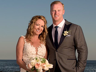 Comedian Sarah Colonna Weds Seahawks Player Jon Ryan in Mexico – and Ross Mathews Officiates!