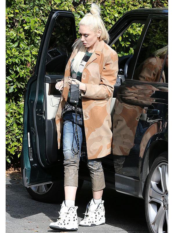 Gwen Stefani Blake Shelton Dsquared Mud Jeans