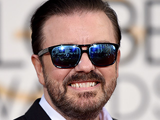 Host Ricky Gervais Sports Sunglasses on the Golden Globes Red Carpet (Again)