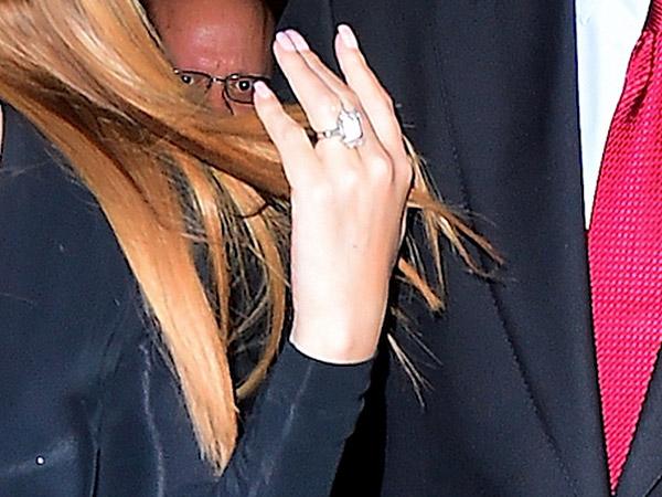 Mariah Carey engagement ring closeup