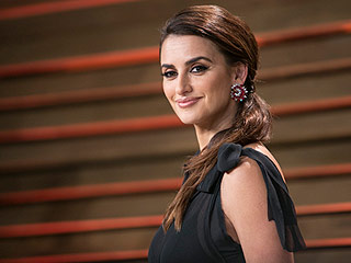 Savannah Guthrie Asks Penelope Cruz About Her 'Ugly Feet' During Today Show Interview (Her Reaction Is Priceless)