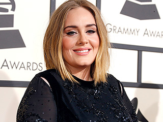 5 Cat-Eye Looks You'll Want to Copy from the Grammys
