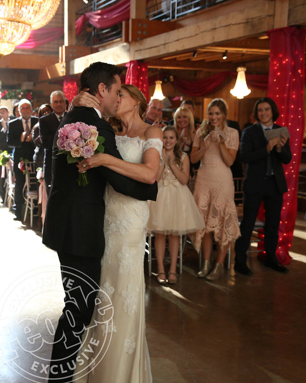 Nashville Rayna And Deacon Wedding Rayna S Wedding Dress
