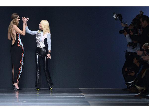 Gigi Hadid Versace runway