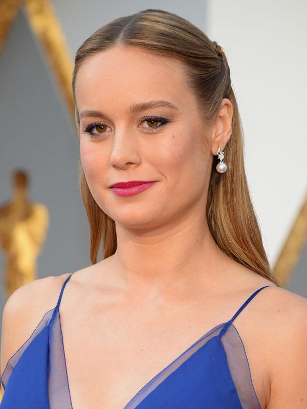 Oscars 2016 red carpet beauty monochromatic makeup Brie Larson