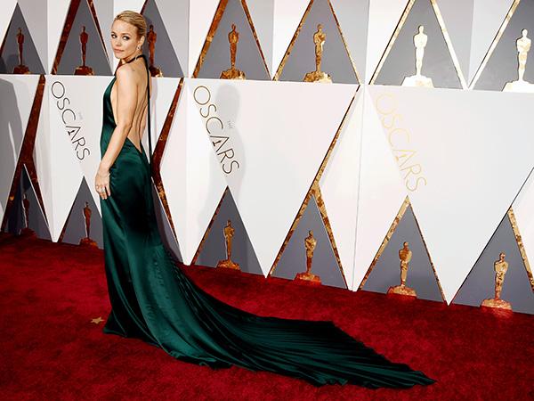 Rachel McAdams August Getty Atelier Oscars 2016 red carpet