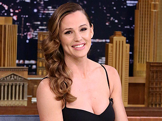 Jennifer Garner Reveals She Had a Panic Attack in Her Oscars Dress: 'My Ribs Were Compressed'