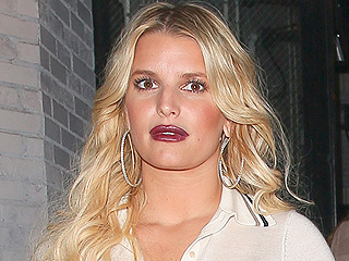 Jessica Simpson's Seven-Year Nude Lipstick Streak Has Ended as She Tries a New Shade: Red!