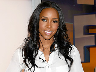 Kelly Rowland's 3-Step Confidence Trick: 'A Prayer, Lashes and Good Hair!'