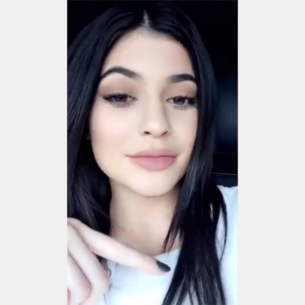 Kylie Jenner snapchat lip plumping tutorial