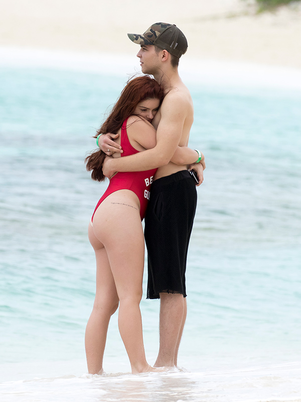 Ariel Winter Takes on Baywatch in Her Latest Bahamas ...