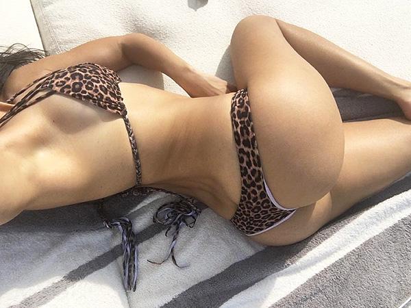 Kourtney Kardashian belfie