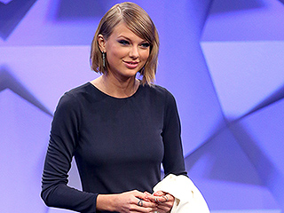 They're Back! Taylor Swift Brings Back Her Side Bangs After Chopping Her Hair Off