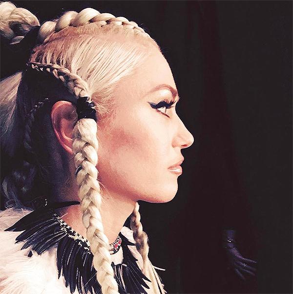 Gwen Stefani braids