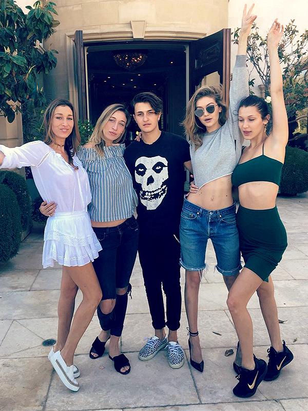 Gigi Hadid with siblings