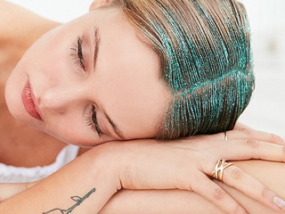 Here's How You Can Try the Glitter Hair Trend – without the Mess or Commitment