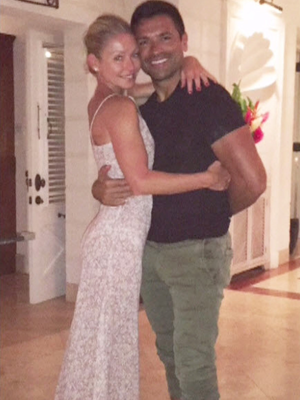 Kelly Ripa Wears Wedding Dress on 20th Anniversary Vacation: 'It Was the Best $199 I've Ever Spent'