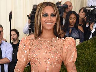 Beyoncé Wears Sexy Latex – No, Slaytex – Gown as She Hits Met Gala Carpet Sans Jay Z