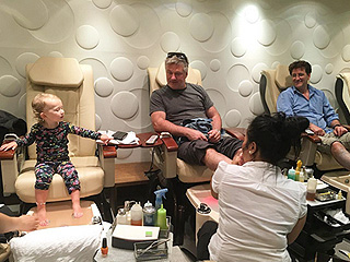 This Is What It Looks Like When Alec Baldwin Gets a Pedicure