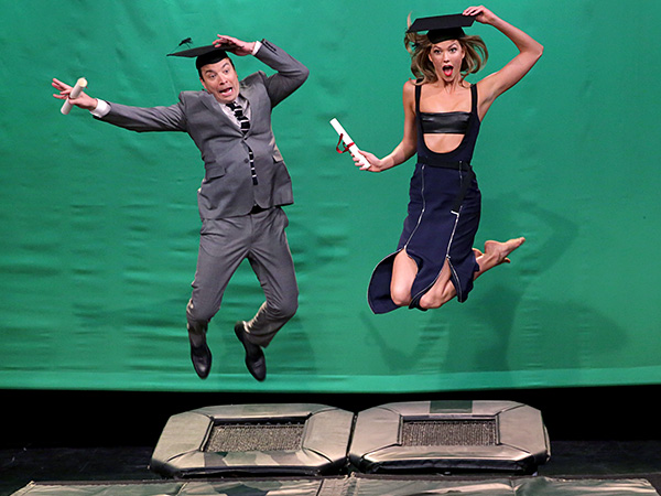 Karlie Kloss Helps Jimmy Fallon with His Modeling Skills in an Epic Trampoline Pose-Off