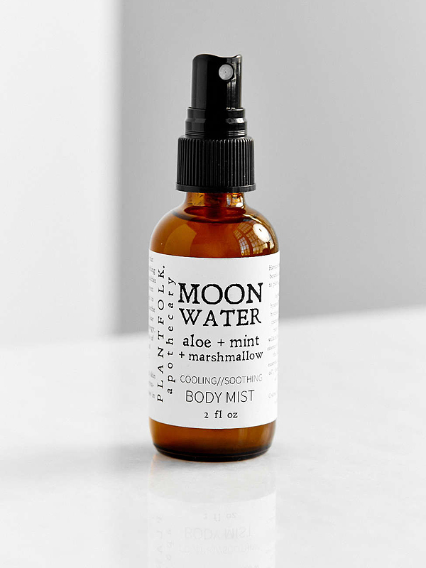 Moon water spray