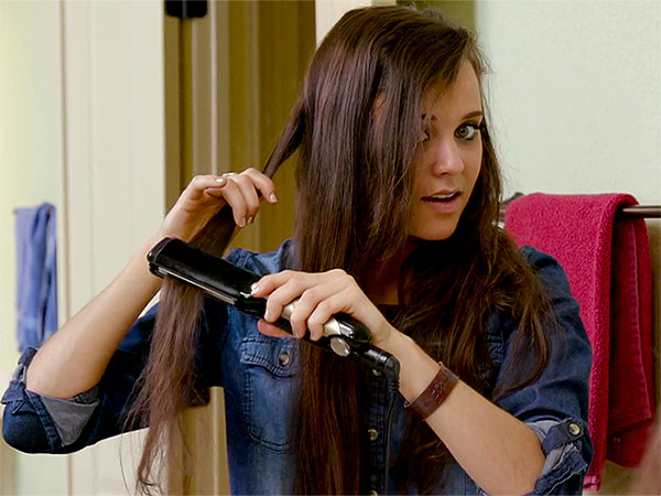 Jinger Duggar hair straightening video