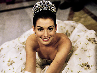 Princess Diaries Turns 15! The Best Beauty Lessons We Learned from Mia Thermopolis