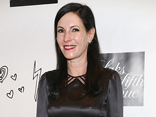 Odd Mom Out's Jill Kargman Loves Wearing  Her 'Sissy' Drew Barrymore's Flower Beauty Products