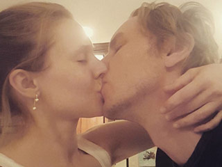 Kristen Bell Joins Instagram! See Her First Post Sweetly Smooching Husband Dax Shepard