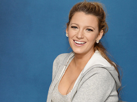 Blake Lively Has the Ultimate Burger Hack You Need to Know : Video ...  Blake Lively
