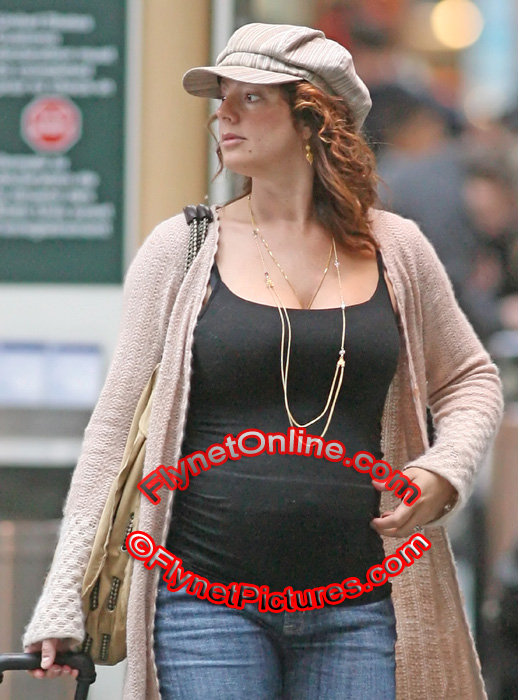Pregnant songstress Sarah McLachlan, 39, who's due ? reportedly in July ...