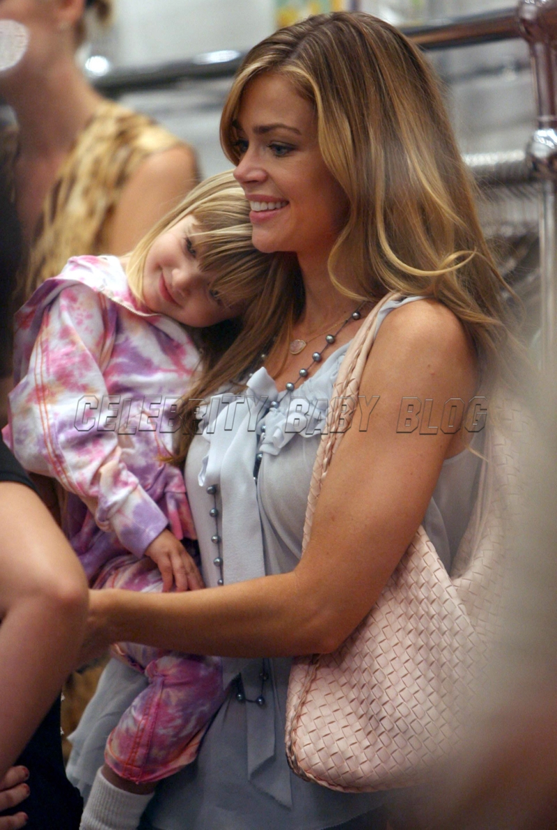 Denise_richards_070510_04_cbb