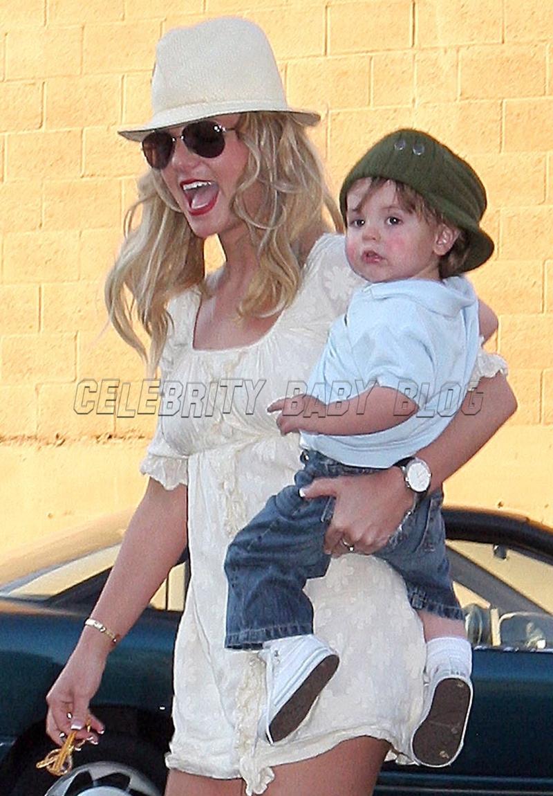 Britney_spears_051207_01_cbb
