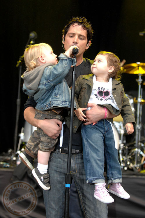 Chris Cornell takes kids on stage during performance – Moms & Babies ...